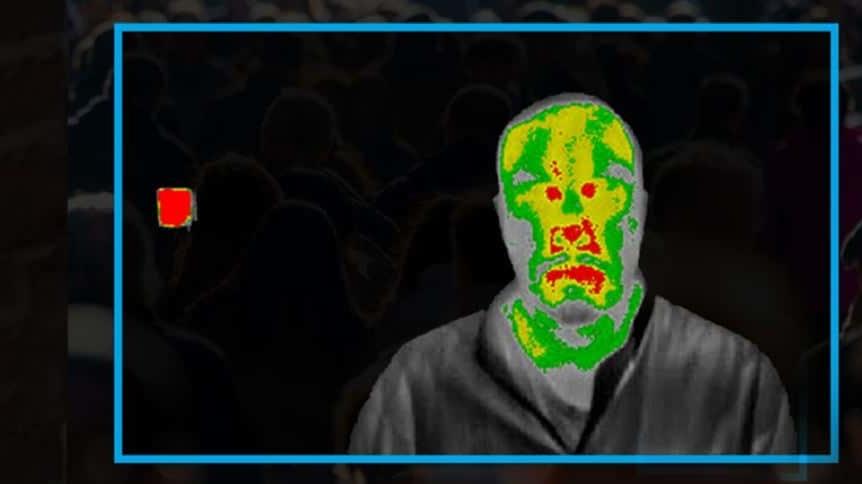 Das Bild zeigt die Sicht einer Wärmebildkamera für die Temperaturmessung von Personen